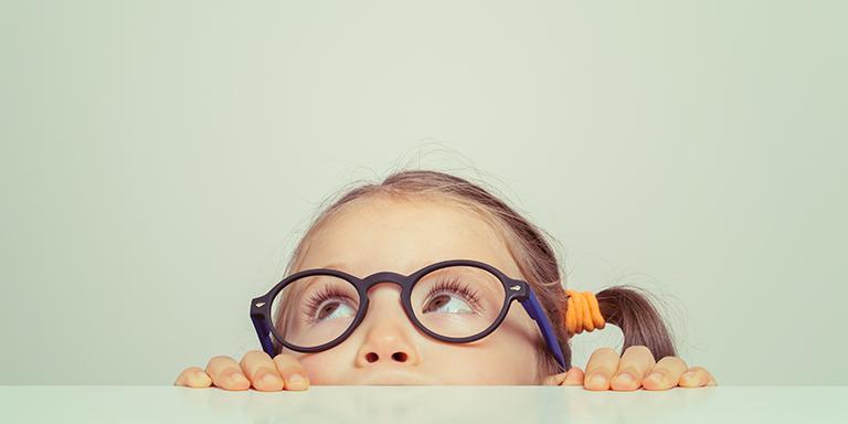 Kurzsichtigkeit bei Kindern – Was Sie als Eltern tun können